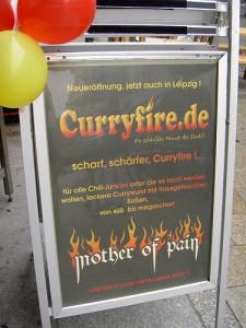 Werbung für scharfe Currywurst