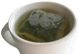 Bild für Grüner Tee - warum er als gesund gilt und wer beim Verzehr aufpassen sollte