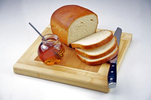 Weißbrot und Honig