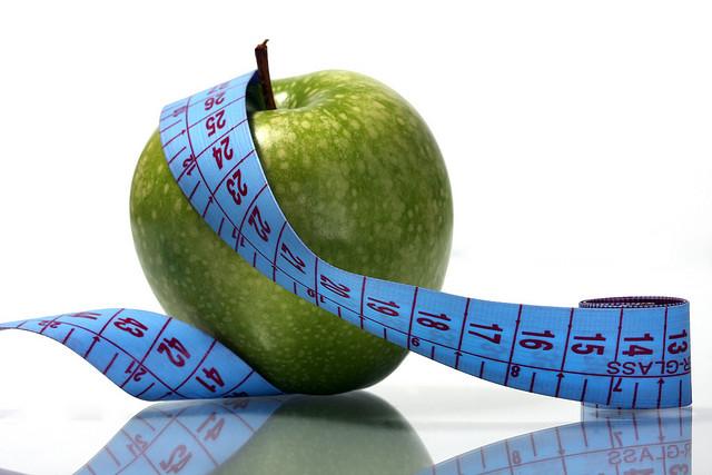 Apfel mit Zentimetermaß