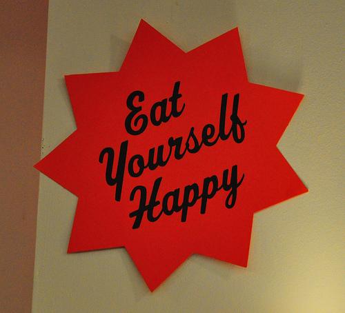 Schild Iss Dich glücklich